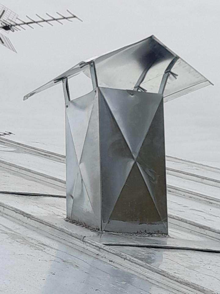 Sortie de toit en zinc